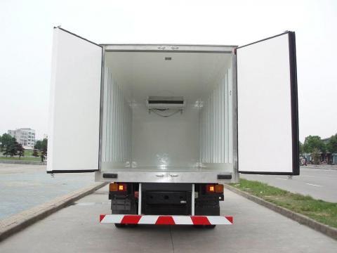refrigerated-trucks-feature.jpg